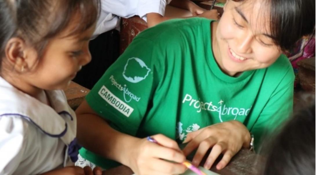 カンボジアの子供たちの学習をサポートする春休みの海外ボランティア